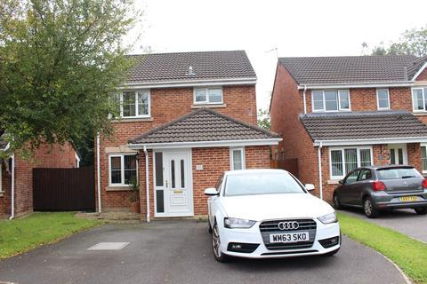 3 bedroom property for sale - Coed-Y-Cadno, Pen-Y-Fai, Bridgend, CF31