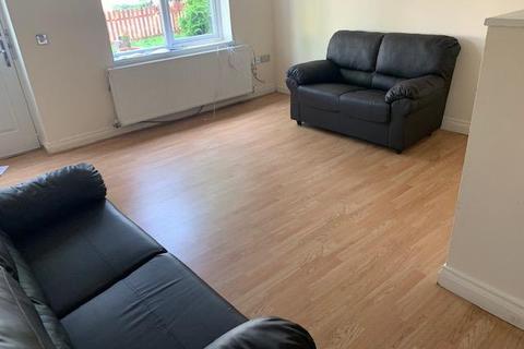 3 bedroom house to rent - Albert Gardens, Luton