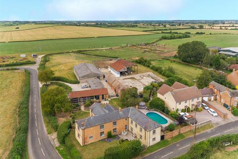 7 bedroom farm house for sale - Charndon, Buckinghamshire