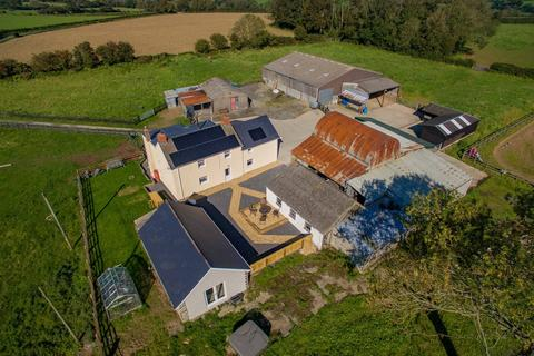 4 bedroom property with land for sale - Beulah, Newcastle Emlyn, SA38