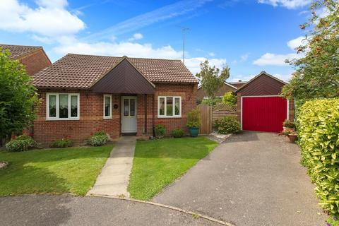 2 bedroom detached bungalow for sale - Mount Pleasant Close, Lyminge, Folkestone, CT18