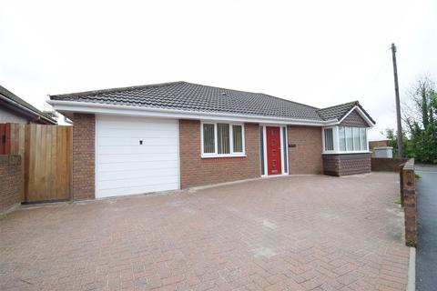3 bedroom bungalow for sale - Princes Avenue, Caerphilly