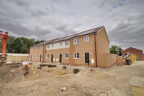 3 bedroom end of terrace house for sale - Jubilee Street, WOODSTON, Peterborough