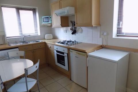 2 bedroom flat to rent - Abernethy Square