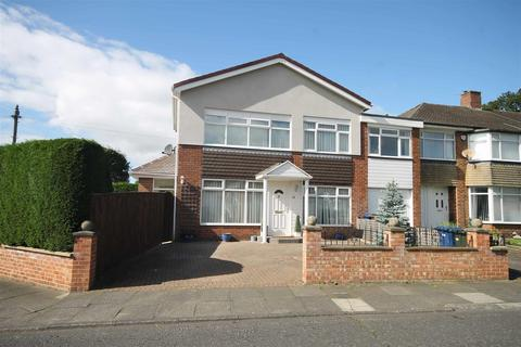 4 bedroom semi-detached house for sale - Bellgreen Avenue, Melton Park, Gosforth, Newcastle Upon Tyne