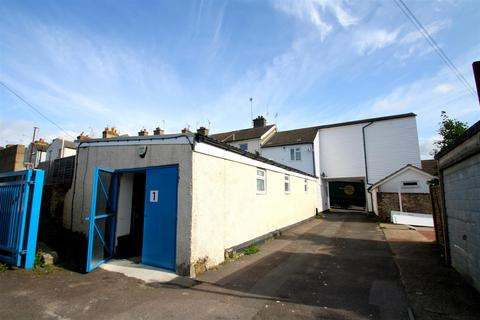 Property to rent - Whitmore Street, Maidstone