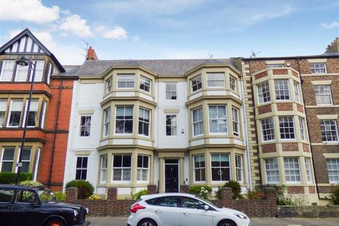 2 bedroom flat - Front Street, Tynemouth
