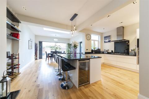 4 bedroom semi-detached house for sale - Waldemar Avenue, Ealing, W13
