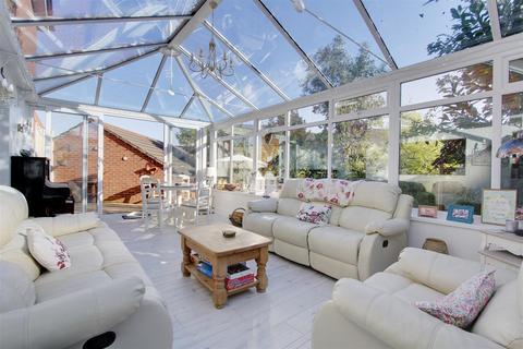 4 bedroom detached house for sale - Carn Wen, Broadlands, Bridgend