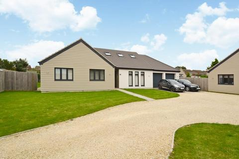 5 bedroom detached house for sale - Byron Way, Bicester