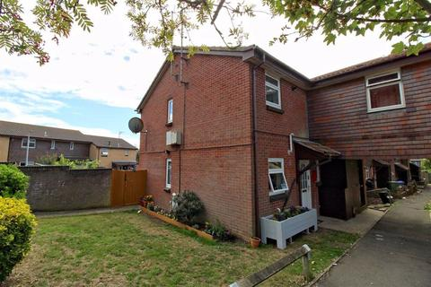 1 bedroom flat for sale - Lexden Drive, Seaford, East Sussex