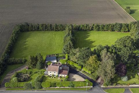 4 bedroom country house for sale - Relly Cottage, Broompark, Durham