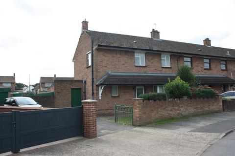 3 bedroom semi-detached house to rent - East Road, West Drayton UB7