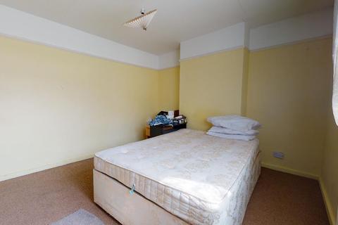 3 bedroom semi-detached house for sale - Meopham Road, Mitcham, Surrey