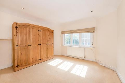2 bedroom flat to rent - Crouch Hall Road, N8 8HA