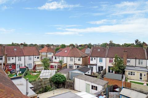 4 bedroom terraced house for sale - Station Grove, Wembley, Middlesex HA0