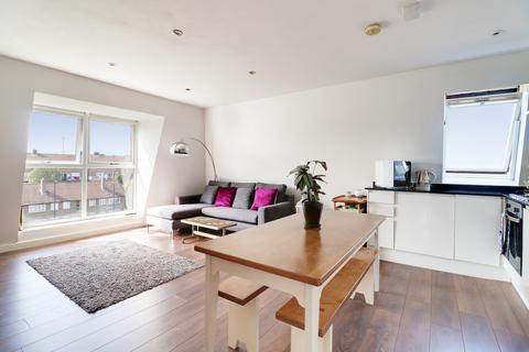 2 bedroom apartment for sale - Trinity Road, Bowes Park, London, N22