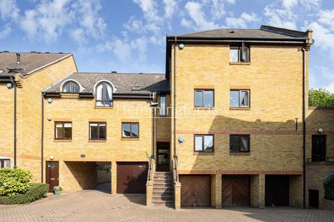 3 bedroom terraced house to rent - Welland Mews, Wapping, E1W