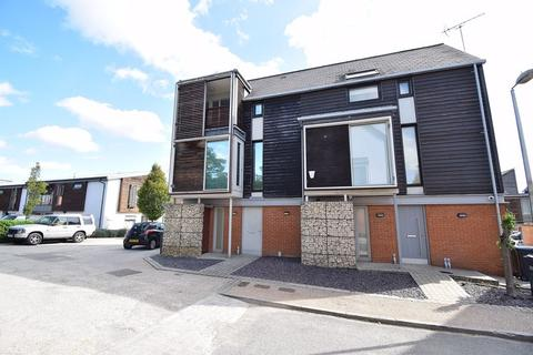 3 bedroom semi-detached house for sale - Tatton Street, Newhall,
