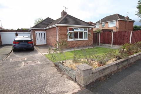 3 bedroom detached bungalow for sale - Glenmaye Road, Great Sutton