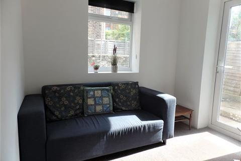 5 bedroom terraced house to rent - Franklin Road