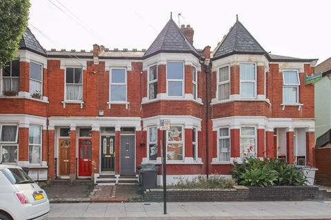 2 bedroom apartment for sale - Lyndhurst Road, Wood Green, N22
