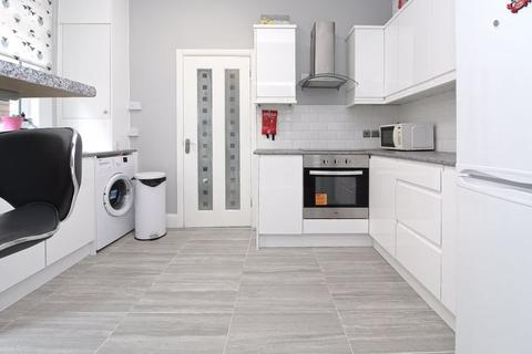 2 bedroom apartment for sale - Lyndhurst Road, Wood Green, N22