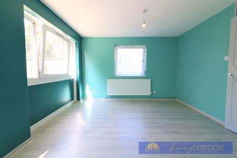 3 bedroom apartment to rent - 3 Bedroom Maisonette to let