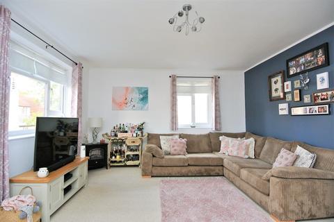 2 bedroom apartment for sale - Church Road, Ashford, TW15