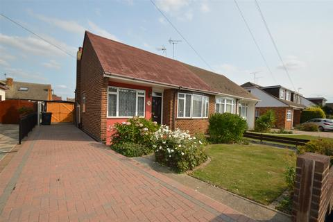 2 bedroom semi-detached bungalow for sale - Mansted Gardens, Rochford