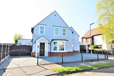 4 bedroom detached house for sale - St. Marys Road, Frinton-On-Sea