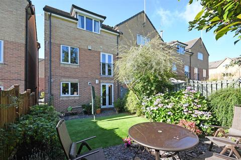 4 bedroom semi-detached house for sale - Glen Vale, Dronfield Woodhouse, Dronfield