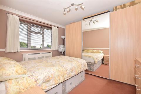 1 bedroom flat for sale - Diban Avenue, Hornchurch, Essex