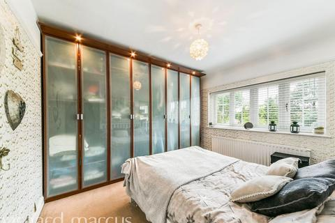 4 bedroom house share to rent - Luxury Double Room to Rent in Round wood Way, Banstead SM7