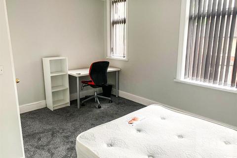 2 bedroom semi-detached house to rent - Bute Avenue, Lenton, Nottingham