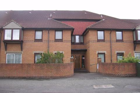 1 bedroom flat for sale - Portland Close, Chadwell Heath, Romford