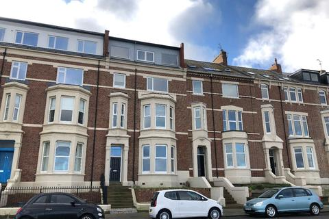 2 bedroom apartment to rent - Percy Gardens, Tynemouth.  *  PENTHOUSE APARTMENT *