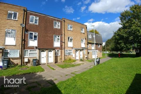 2 bedroom maisonette for sale - Copenhagen Close, Luton