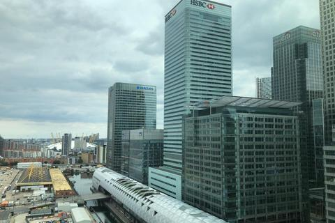 2 bedroom apartment to rent - West India Quay, London, E14