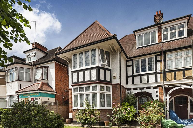 6 Bedrooms Semi Detached House for sale in WEST HEATH DRIVE, GOLDERS HILL PARK, LONDON NW11