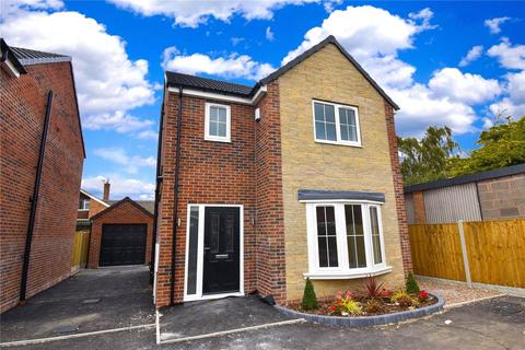 3 bedroom detached house for sale - Warwick Avenue, Carlton In Lindrick, S81