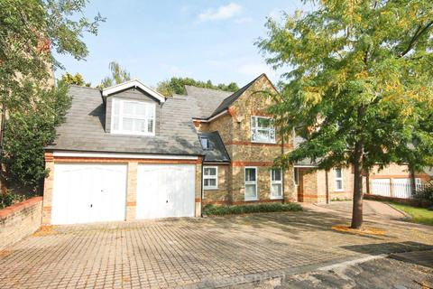 5 bedroom detached house for sale - The Chesters, New Malden