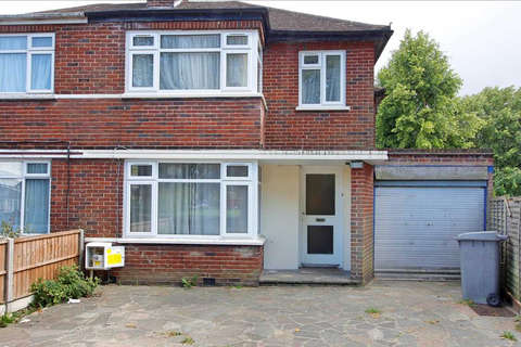 3 bedroom house for sale - Beverly Drive, Edgware, HA8