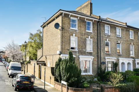 2 bedroom flat - Tyrwhitt Road Brockley SE4