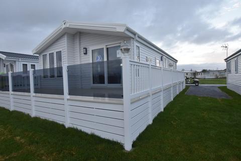 3 bedroom lodge for sale - Dovercourt, Harwich