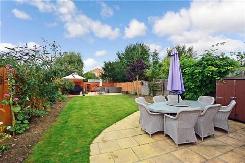 3 bedroom semi-detached house for sale - The Landway, Bearsted, Maidstone, Kent