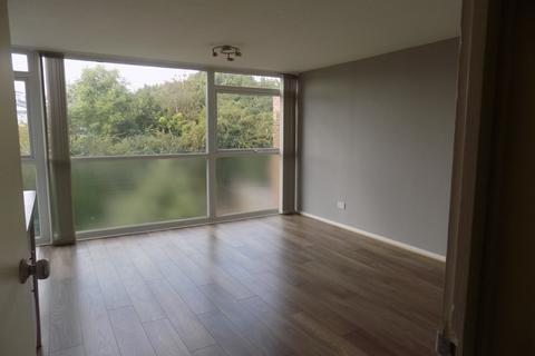 2 bedroom flat to rent - Fryent Close , NW9