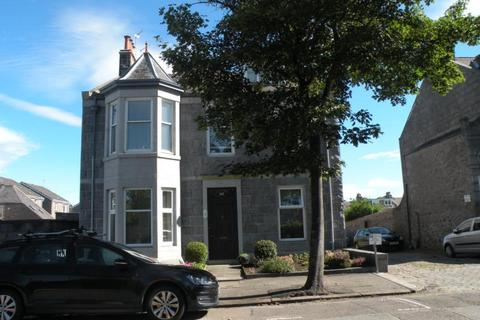2 bedroom ground floor flat to rent - Cairnfield Place, Aberdeen, AB15