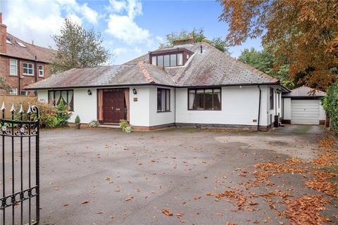 4 bedroom bungalow for sale - Hale Road, Hale, WA15