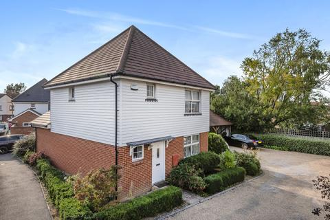 3 bedroom detached house for sale - Tilling Close, Maidstone